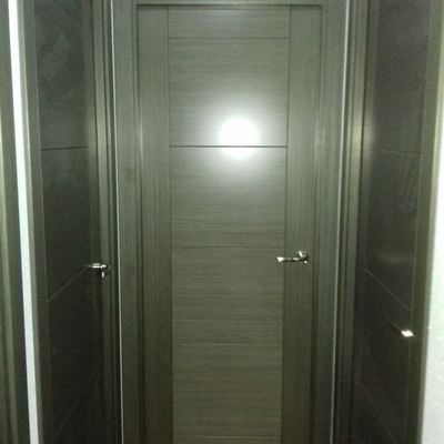Puerta gris