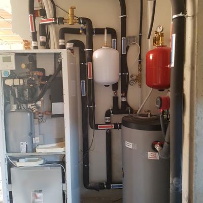 Instalacion bomba de calor(aerotermia) Daikin 11,4kw+deposito de inercia 100l