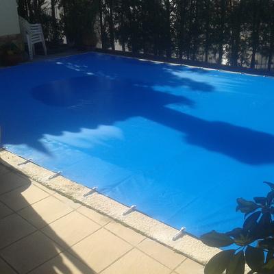Lona de piscina de invierno.