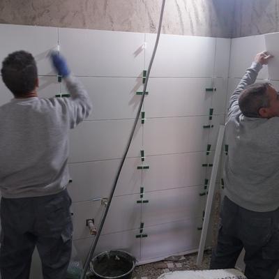 Reforma de baño con separadores normalizados