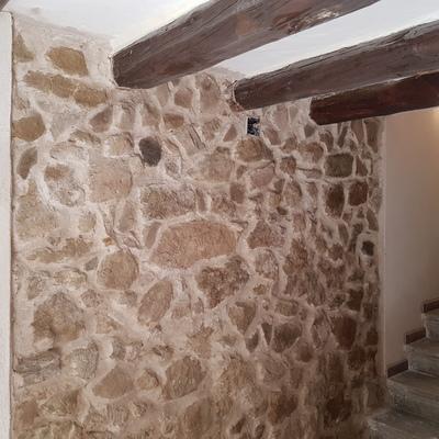 Entrada en piedra en Balaguer