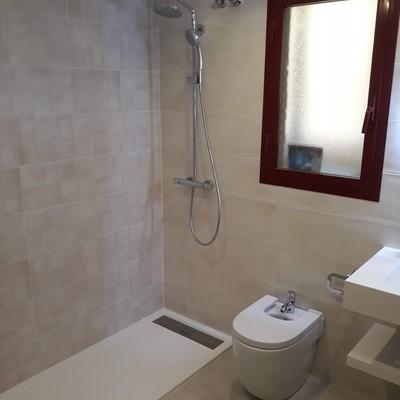 limpieza baño despues de una obra