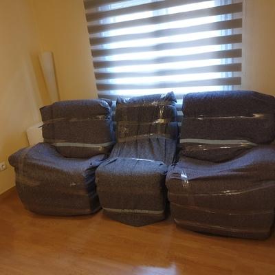 Embalaje, desmontaje y montaje sillón tres plazas electrónico