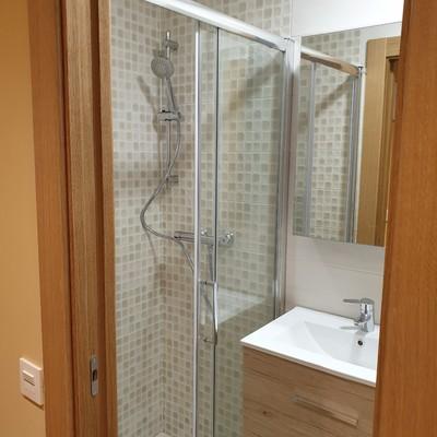 Aseo completo con ducha integrada