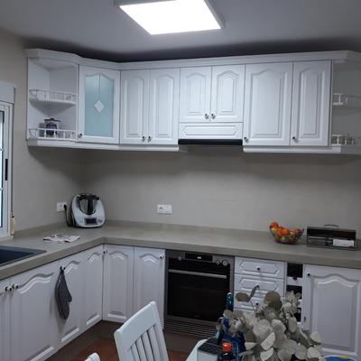 Reforma de cocina con muebles lacados