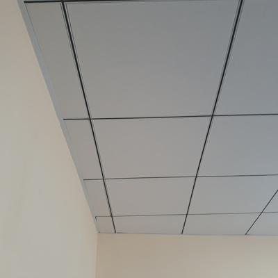 Falso techo desmontable