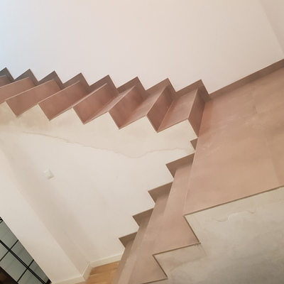 Escalera de revestimiento porcelanico 2