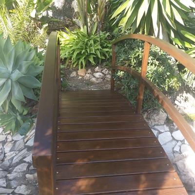 Restauración en puente de madera