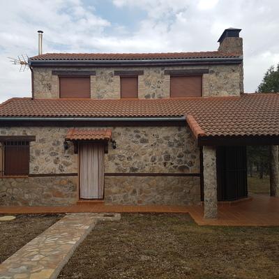 Casa forrada de piedra en Monté de los Cortos,Duruelo