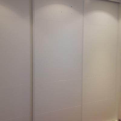 3 puertas correderas lacadas blancas