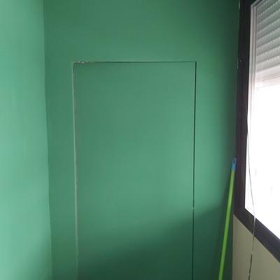 Acceso cuarto 1 después ( Puerta invisible )