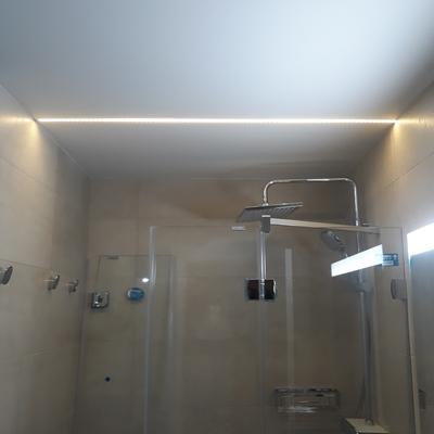 "LED ""Separador"" en plato de ducha"