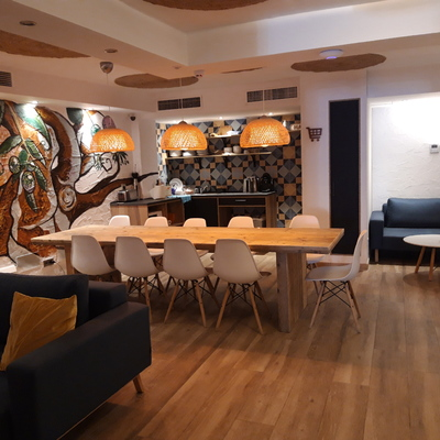 Reforma interior del hostel Singular