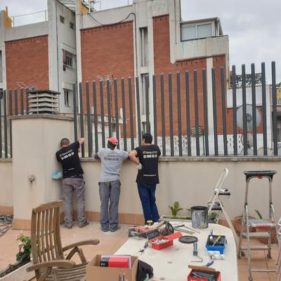 Instalación de cerramiento de barrotes en Ático