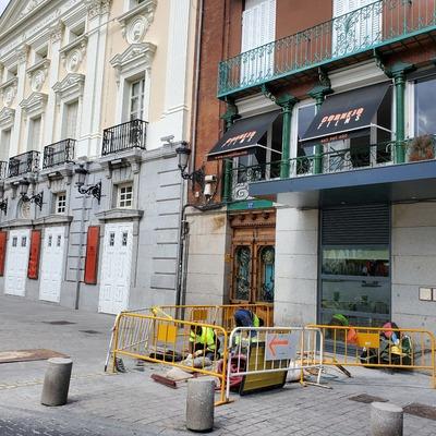 Acometida eléctrica para la terraza, plaza santa ana  Madrid