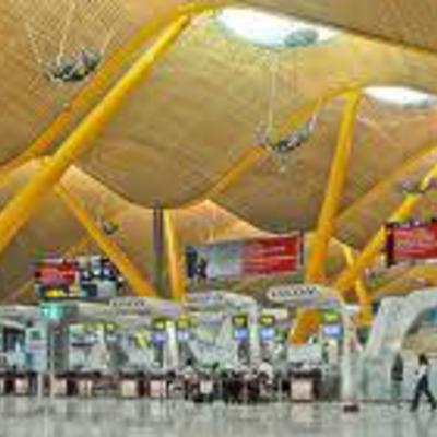 20200727 1 Terminal T4 interior