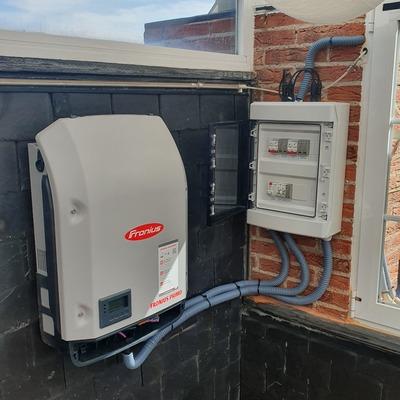 instalación solar autoconsumo 4 kw  vivienda unifamiliar