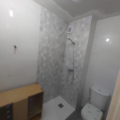 Demolicion y terminacion de cuarto de baño