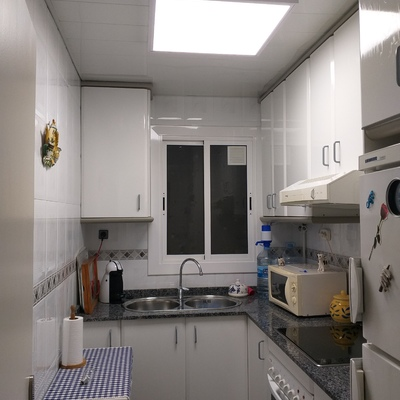 Panel 60x60cm de superficie en cocina