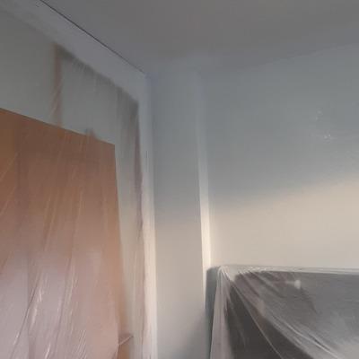 Protección de armarios con plástico