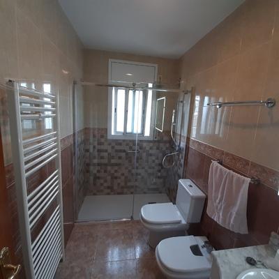 Quetar bañera y poner plato ducha ante deslizante
