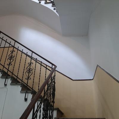 Pintura de interior de portal de edificio