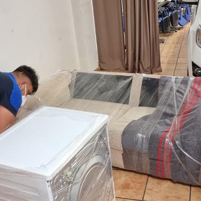 Embalaje y protección de sofá.