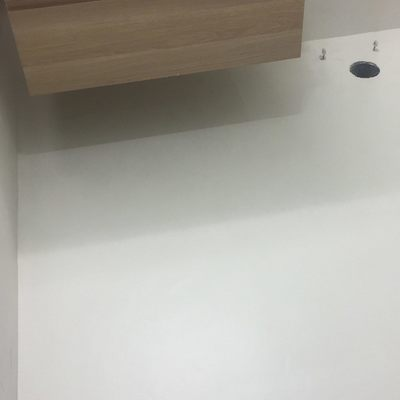 baño terminado en blanco