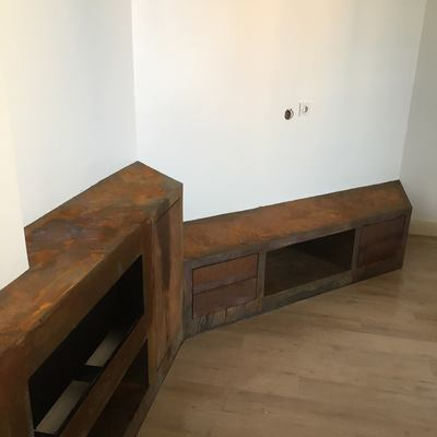 Mueble en microcemento óxido