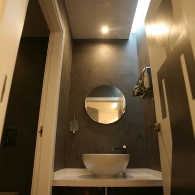 hall wc
