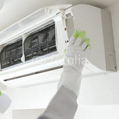 Limpieza y mantenimiento de un aire acondicionado