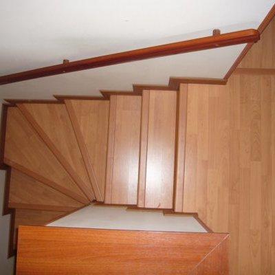 laminado sobre escalera.