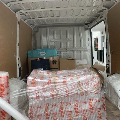 """Servicio de empaquetado para muebles frágiles """" muy fragiles"""