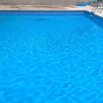 Mantenimiento de piscinas con y sin socorrista