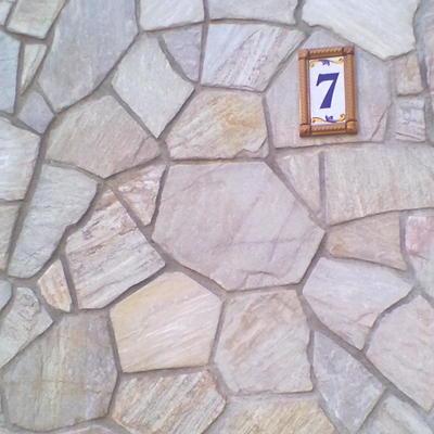 Colocación placa de piedra quarcita