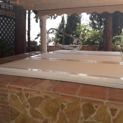 Construcción de jacuzzi techado exterior