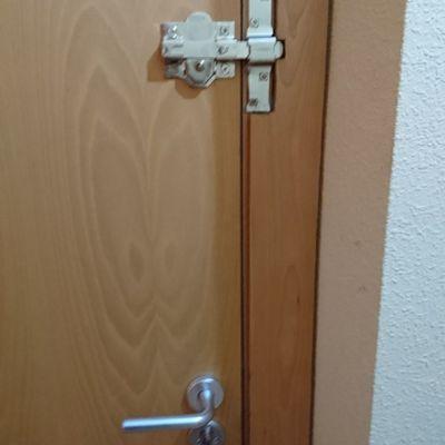 Instalación cerrojo de seguridad