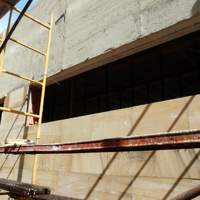 Colocación piedra natural en fachada III
