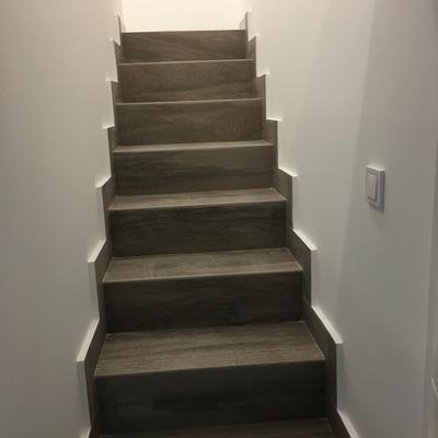 escaleras porcelanico