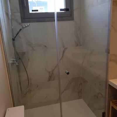 Cambiamos tu bañera por un plato de ducha