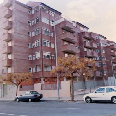 36 viviendas, locales y garaje. Murcia.