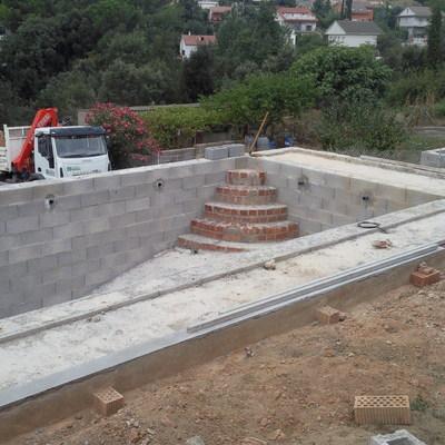 CONSTRUCCION MUROS/PISCINAS