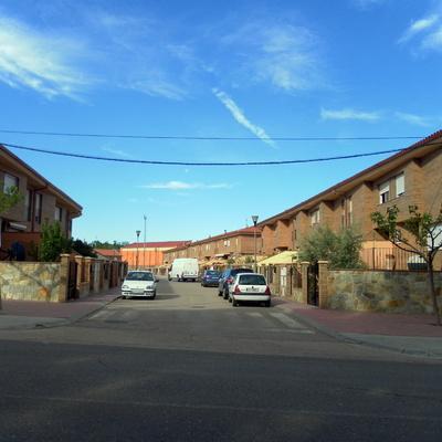 44 UNIFAMILIARES ADOSADAS EN ANDORRA