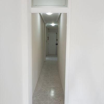 Arco pasillo en blanco