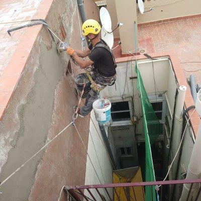 Reparar grietas en Patio interior Barcelona