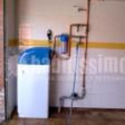 Instalacion sistema descalcificador para viviendas.
