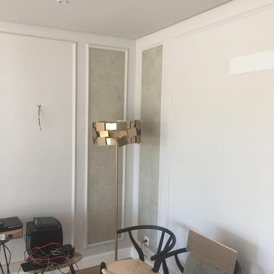 salon decorado escayola y papel