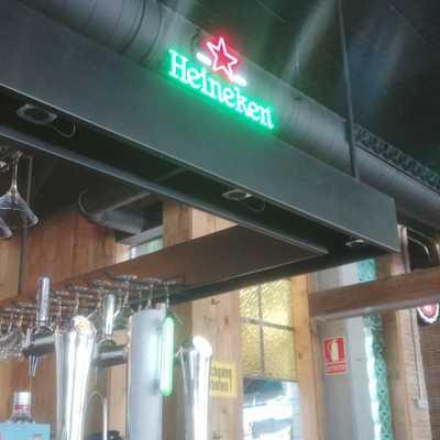 Canalón de luces de bar