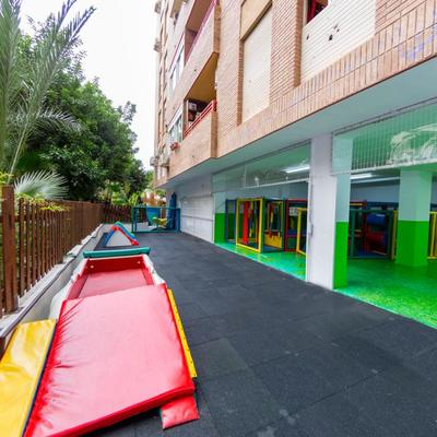 Escuela Infantil. Calle Haza de Acosta. Almería