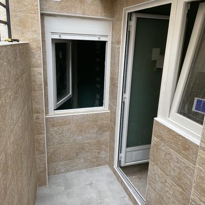 Hacemos un piso integral en Mataró falta silicona y pintura